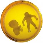 Odisseia no espaço – Peças de silicone inseridas em globo colorido de acrílico imersas em água, 0,25 x 0,25 m, 1971. Acervo do artista.