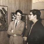 1966. Aldir Mendes de Souza e José Roberto Aguilar durante exposição coletiva na galeria Artécnica.